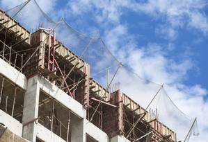 Menos obras . Construção civil foi afetada pela queda na renda, no crédito e nos investimentos Foto: Ana Branco / Ana Branco
