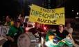 Grupo comemora decisão de Cunha na Avenida Paulista