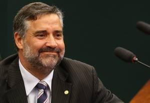 Deputado Paulo Pimenta (PT-RS) entrou com ação no STF contra o impeachment Foto: Ailton de Freitas / Agência O Globo