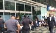 Médicos residentes protestam em frente à Secretaria de Fazenda: salários atrasados