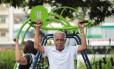 Ailton Jorge da Silva já passou dos 60 anos e se exercita