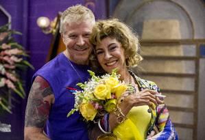 Ruço ( Miguel Falabella ) e Darlene ( Marília Pêra ), em