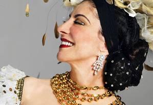 A atriz como Carmen Miranda Foto: Leonardo Aversa