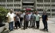 Professores da Uerj se reuniram em frente ao campus do Maracanã