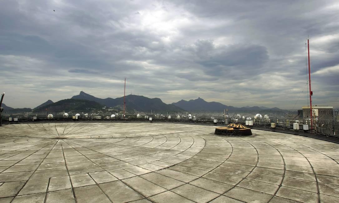RIO - 10/12/2015 - Rio de Janeiro (RJ) - Verão - Terraço de Edifício Santos Dumond Na foto: Terraço do Ed. Santos Dumond Foto: Luiz Ackermann / Agência O Globo Foto: Luiz Ackermann / Agência O Globo