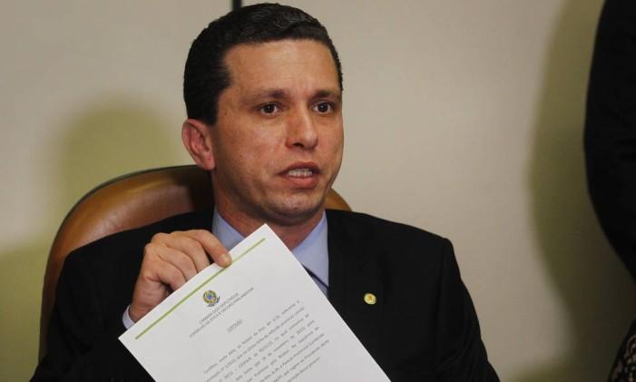 Deputado Fausto Pinato durante entrevista Foto: Givaldo Barbosa / Arquivo O Globo 11/12/2016