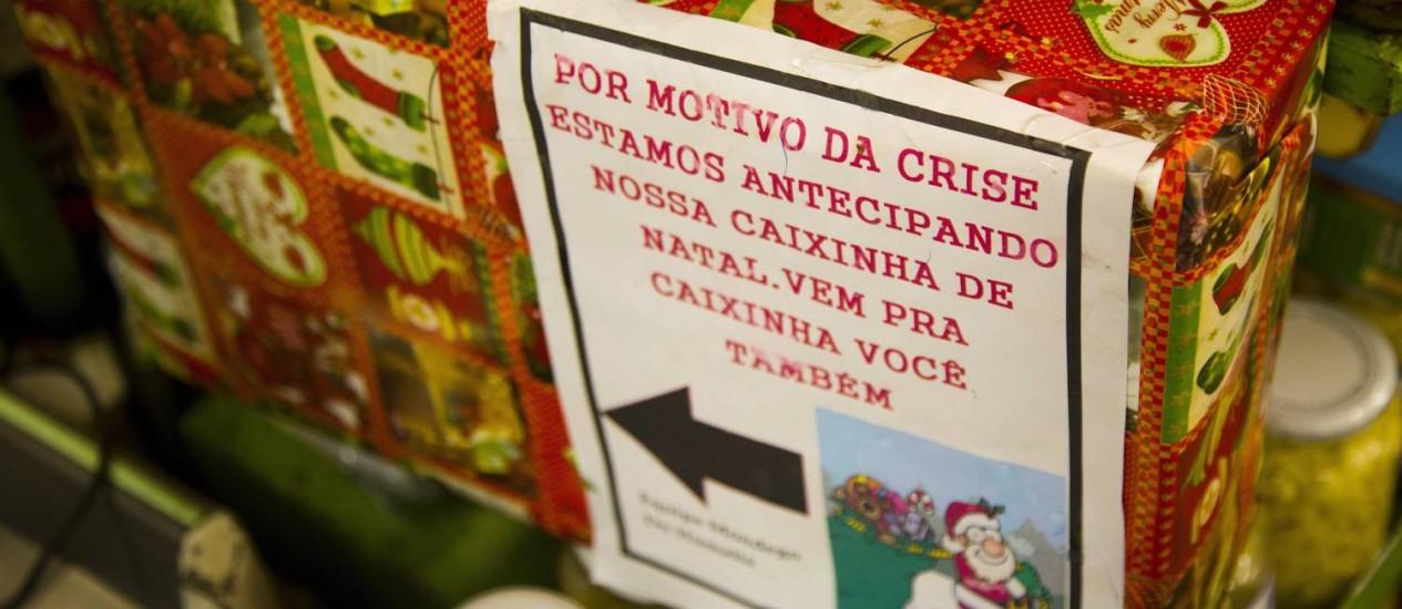 Pensando fora da caixinha. Caixinha de Natal está em ação desde outubro no hortifruti Mondego, na Cobal do Humaitá Foto: Mônica Imbuzeiro / Agência O Globo