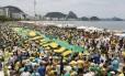 RI Rio de Janeiro (RJ) 13/12/2015 Manifestação emCopacabana contra o governo Foto Pablo JAcob / Agencia O Globo