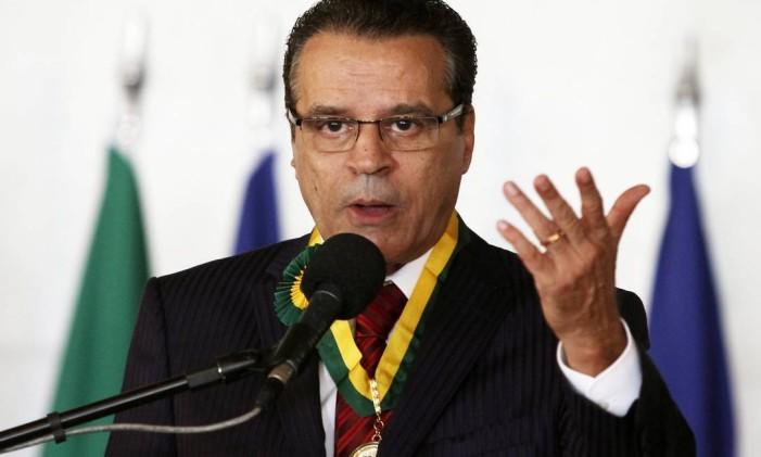 O ministro do Turismo, Henrique Eduardo Alves Foto: Jorge William / Agência O Globo