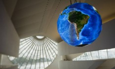 Globo no teto do Museu do Amanhã Foto: Fernando Lemos / Agência O Globo