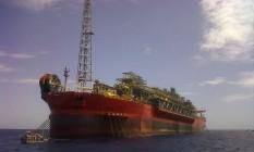 Acidente em navio-plataforma em Vitória Foto: Terceiro / Agência O Globo