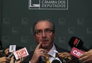 O presidente da Câmara, Eduardo Cunha, durante entrevista Foto: Givaldo Barbosa / Agência O Globo