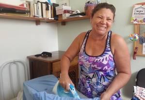 A diarista Valda Alves Moreira, de 48 anos, está ansiosa pela volta do funcionamento do aplicativo. Foto: Roberta Scrivano
