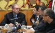 Presidente da Câmara, Eduardo Cunha, se reúne com líderes da base e da oposição