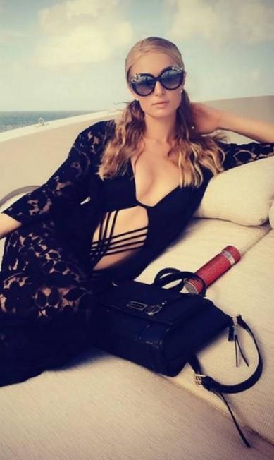 A socialite americana Paris Hilton escolheu um modelo mais dramático para usar em St. Barth Reprodução/ Instagram