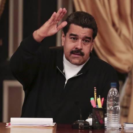 Maduro havia admitido derrota nas eleições legislativas, mas, agora, oposição acusa seu partido de ignorar resultado eleitoral Foto: HANDOUT / REUTERS
