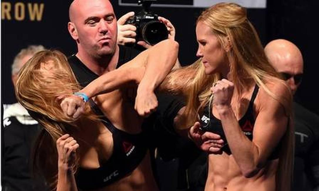 Mas quem tirou Ronda do sério foi Holly Holm, na encarada do UFC 193, no dia 14 de novembro Divulgação - UFC