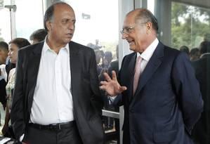 Os governadores Luiz Fernando Pezão, do Rio de Janeiro, e Geraldo Alckmin, de São Paulo Foto: Givaldo Barbosa / Agência O Globo