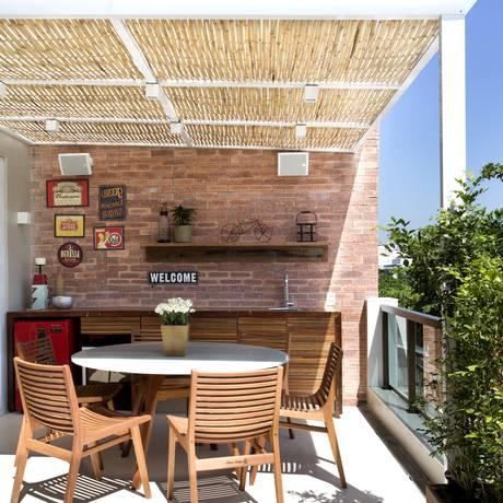 O teto de palha: charme à cobertura Foto: Divulgação
