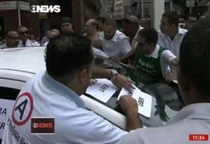 Taxistas fazem manifestação contra Uber em São Paulo Foto: GloboNews TV / Reprodução