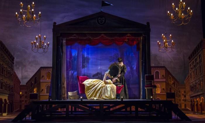 "Cena da ópera ""Don Pasquale"" Foto: Liliana Morsia"