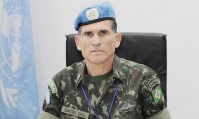 Resultado de imagem para General-de-Divisão R! Santos Cruz