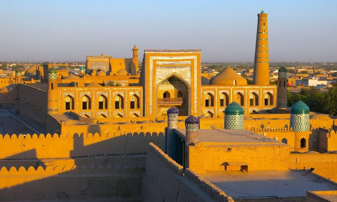 Uzbequistão começa, aos poucos, a revelar sua riqueza histórica e cultural