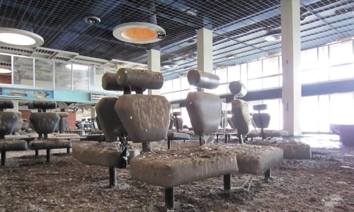 Poltronas no Aeroporto de Nicósia, no Chipre Foto: Creative Commons