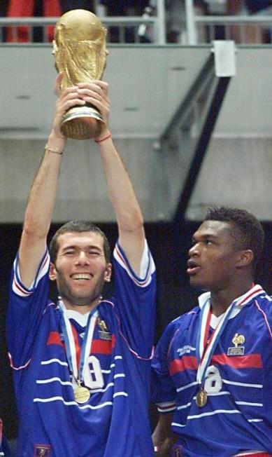 Na seleção francesa, o auge de Zidane foi em 1998, quando foi fundamental para a conquista da Copa do Mundo, na final contra o Brasil DANIEL GARCIA / AFP