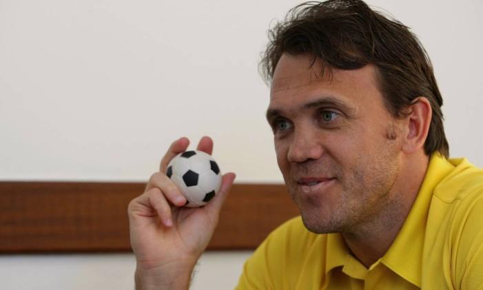 Petkovic será o homenageado pela Caprichosos de Pilares, que abordará estrangeiros que fizeram sucesso no país Foto: Fábio Guimarães / Agência O Globo