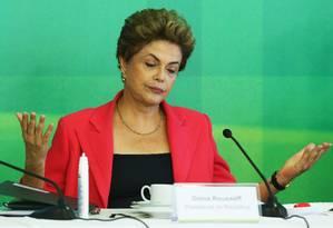 A presidenta Dilma Rousseff durante café com jornalistas no Palácio do Planalto Foto: Ailton de Freitas / Agência O Globo