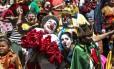 COLORIDO: Bloco infantil Gigantes da Lira, que desfila em Laranjeiras, foi premiado no quesito fantasia por juntar pais e filhos fantasiados na folia carioca