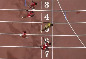 Usain Bolt vence a final dos 100m no Mundial de Pequim, em 2015: para britânicos, recordes do atletismo devem ser zerados Foto: ANTONIN THUILLIER / AFP