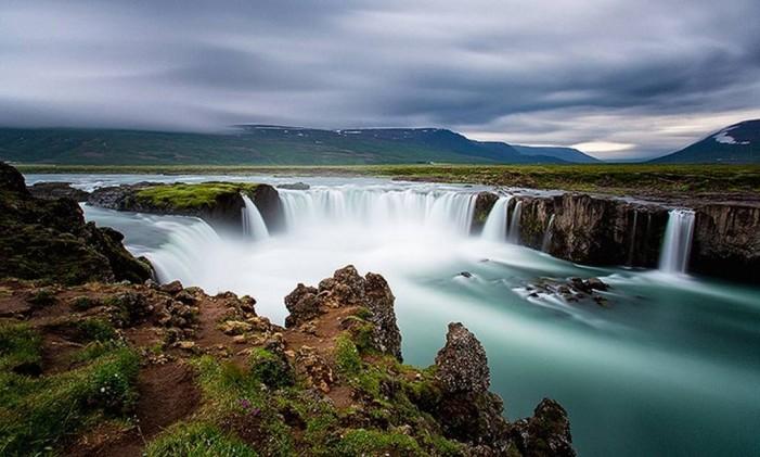 Cachoeiras Godafoss, na Islândia Foto: Intrepid Travel / Reprodução / CNN