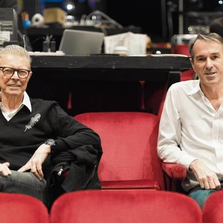 """David Bowie e o diretor Ivo Van Hove durante os ensaios do musical """"Lazarus"""" Foto: Divulgação/Jan Versweyveld"""