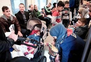Foto de 2015 mostra migrantes deixando Copenhague rumo à cidade sueca de Helsingborg Foto: LINDA KASTRUP / AFP