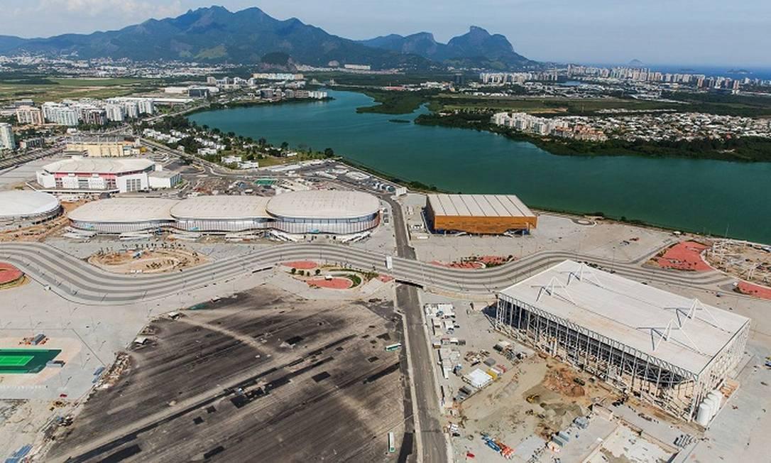 O Parque Olímpico da Barra da Tijuca visto do alto com as três arenas e o parque aquático Divulgação/Prefeitura do Rio