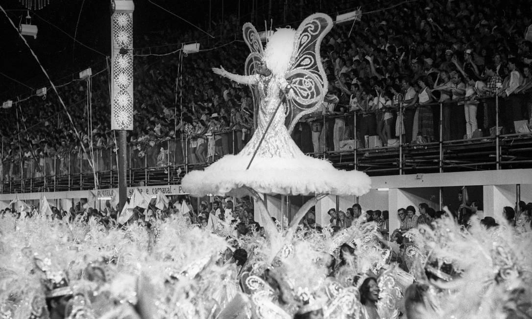 A destaque Wanda Baptista, que parecia flutuar, representou os ranchos Sebastião Marinho / Agência O Globo