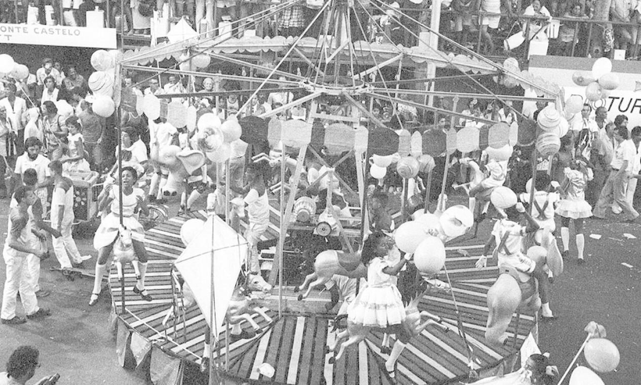 O parque de diversões lembrou o lazer da criançada Foto: Eurico Dantas / Agência O Globo