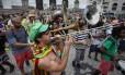Foliões protestam contra a repressão da Guarda Municipal