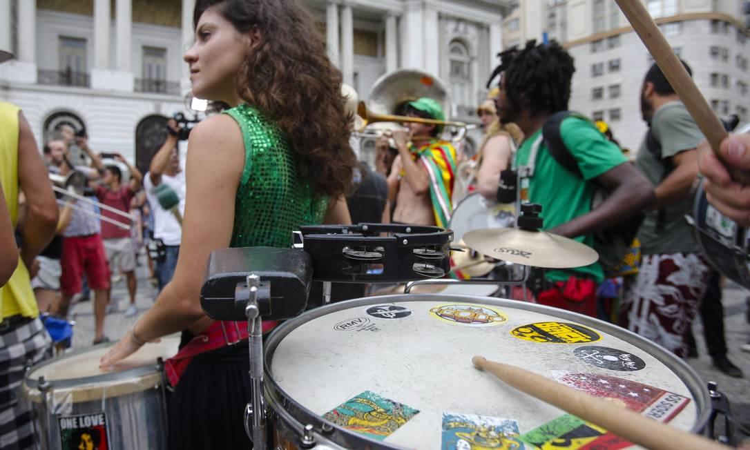 Integrantes de blocos não oficiais marcaram presença Alexandre Cassiano / Agência O Globo