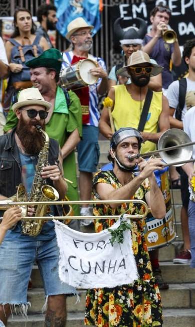 Movimento Desliga dos Blocos luta contra comercialização do carnaval de rua Alexandre Cassiano / Agência O Globo