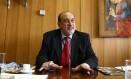 Apesar de constar como signatário do manifesto, Gilson Dipp, ex-ministro do Superior Tribunal de Justiça (STJ), disse que não deu a ninguém autorização para incluir seu nome na lista Foto: Ailton de Freitas - 29/09/2010 / O Globo
