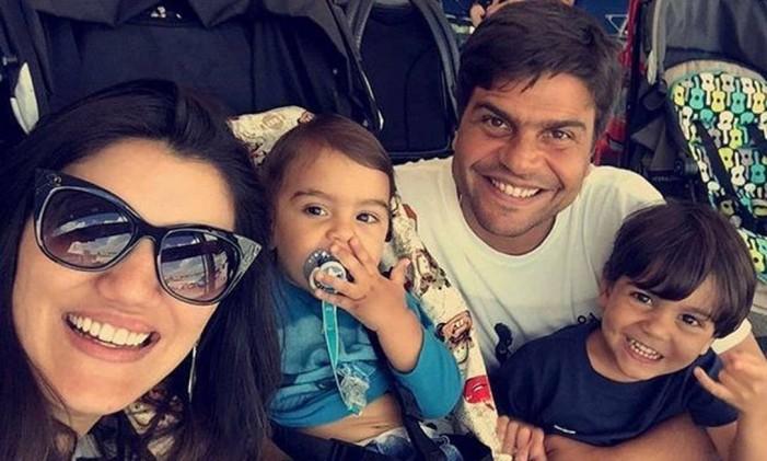 Pedro Paulo aproveitou a virada do ano para postar uma foto ao lado da família Foto: Reprodução