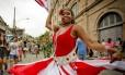 Carnaval de rua foi aberto oficialmente em desfile na Zona Portuária