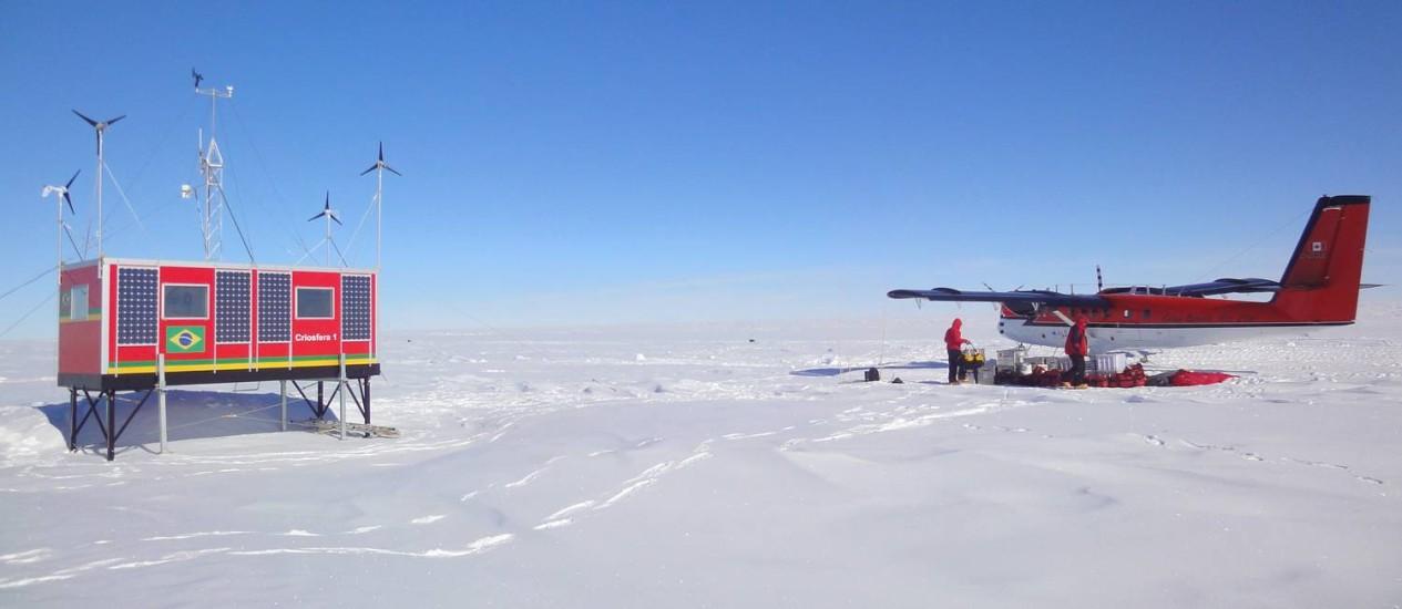 O Criosfera 1, módulo de pesquisa antártica, foi instalado 2,5 mil km ao Sul da Estação Comandante Ferraz e envia informações em tempo real para o Brasil Foto: Divulgação/UFRGS