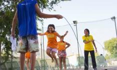BX Sesi já inscreve para colônia de férias O Sesi Nova Iguaçu vai promover, de 20 a 31 de julho, uma colônia de férias para as crianças. Haverá oficinas de aprendizagem (teatro, música, xadrez e robótica, entre outras). A ideia é fazer com que crianças e adolescentes, de 4 a 14 anos, aprendam brincando. Associados do Sesi têm desconto. Mais informações: 0800 0231 231 ou 4002-0231. Vinícius Magalhães/DIVULGAÇÃO Foto: Divulgação