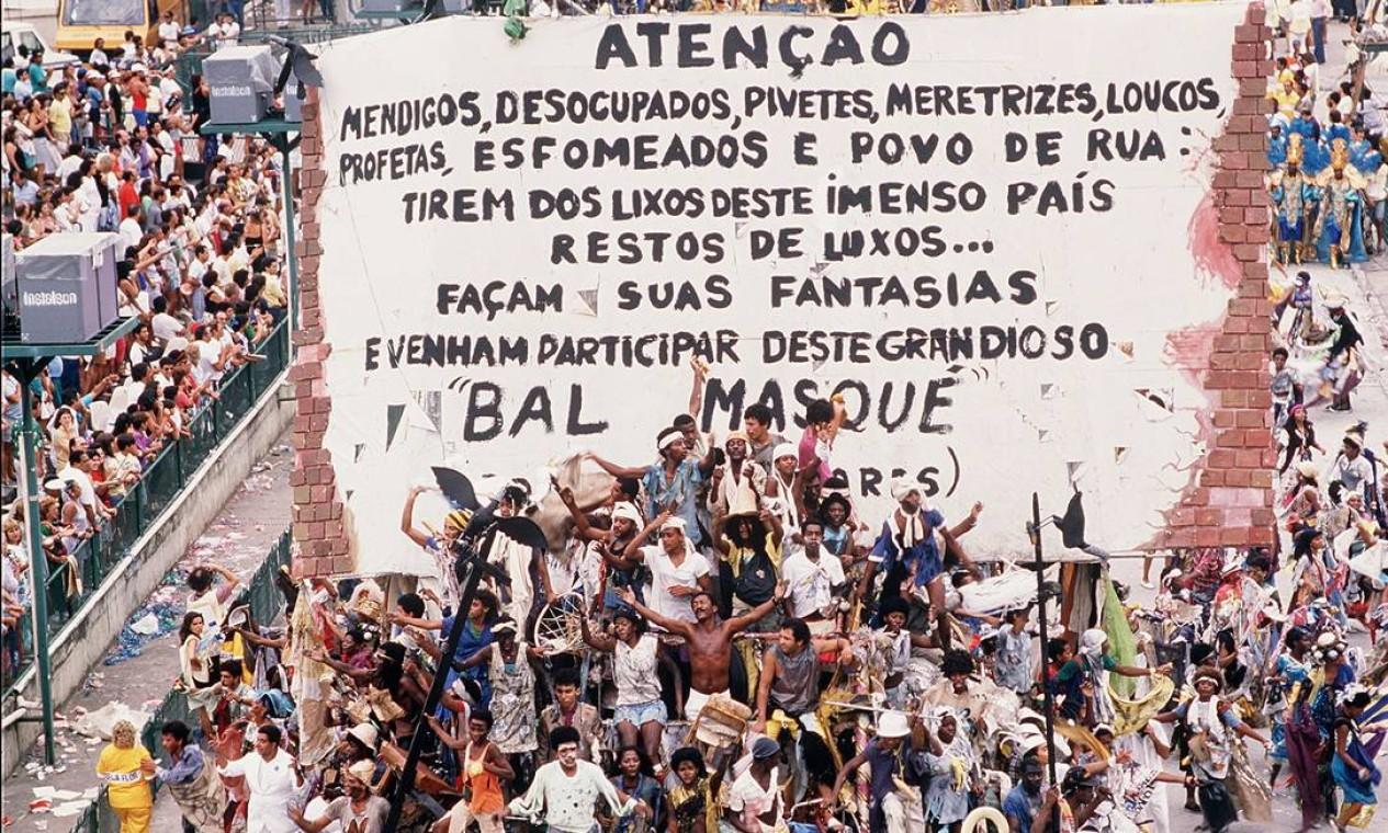 Joãosinho Trinta convidou os mendigos para desfilar Foto: Ricardo Leoni / Agência O Globo