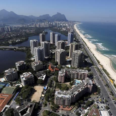 Vista aérea da Barra da Tijuca Foto: Custódio Coimbra - 25/09/2014 / Agência O Globo