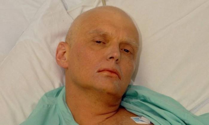 Ex-espião russo encontrado com sinais de intoxicação em Inglaterra